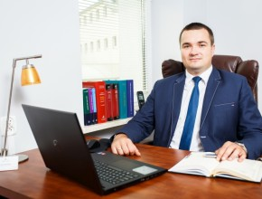 Adwokat Paweł Mąka